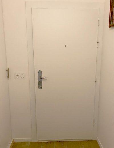 Bloc porte PICARD EI30 vue de l'intérieure blanche posée par MS RENOV'